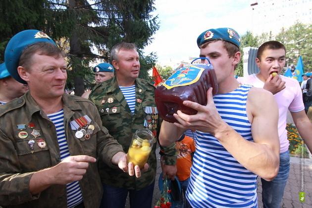 Екатеринбургские ВДВшники все же добрались до фонтанов