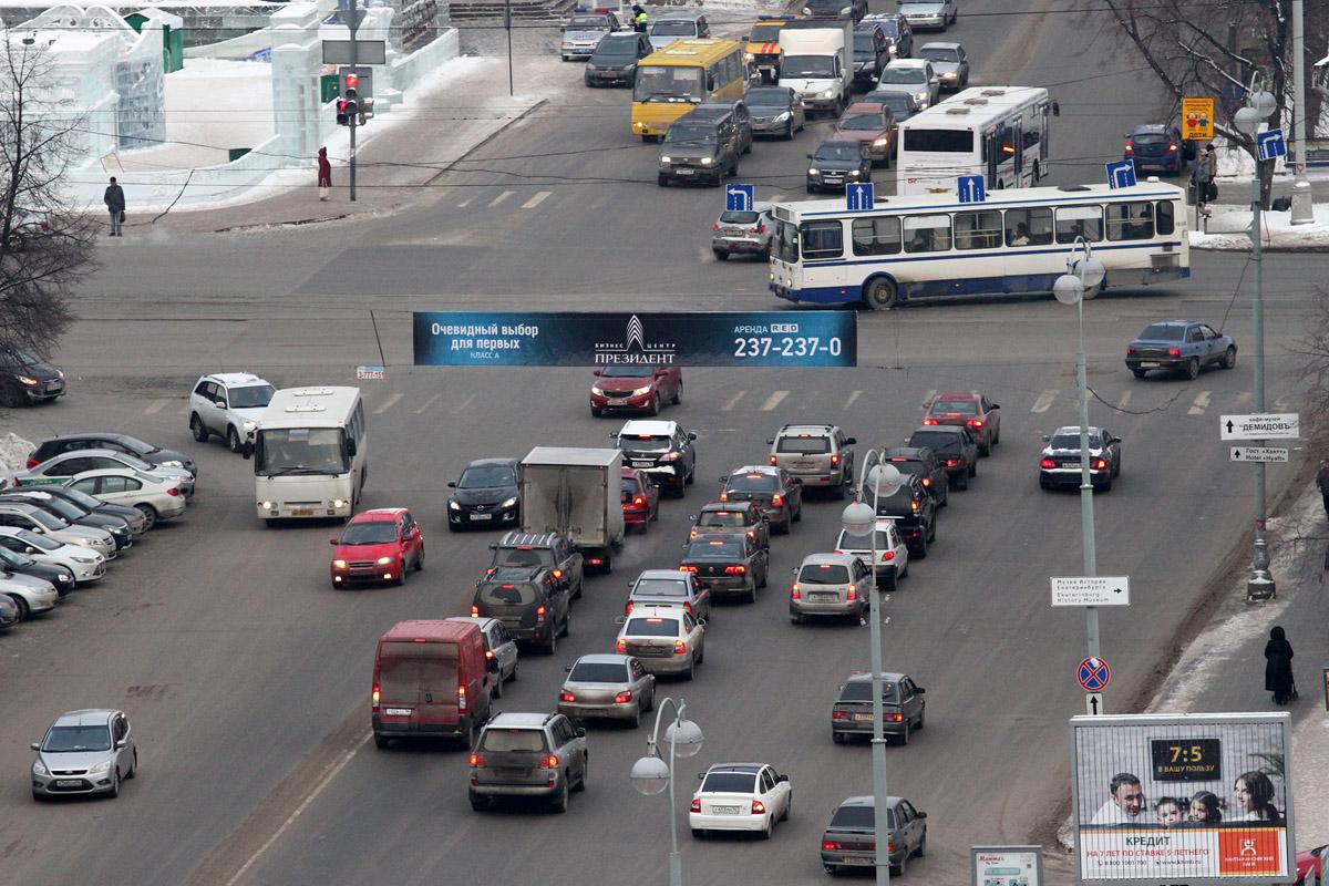 ГЛОНАСС поставят на все автомобили в России