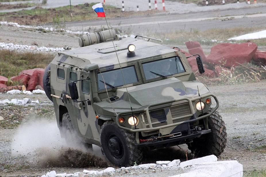 Рогозин меняет свой BMW на гражданского «Тигра»