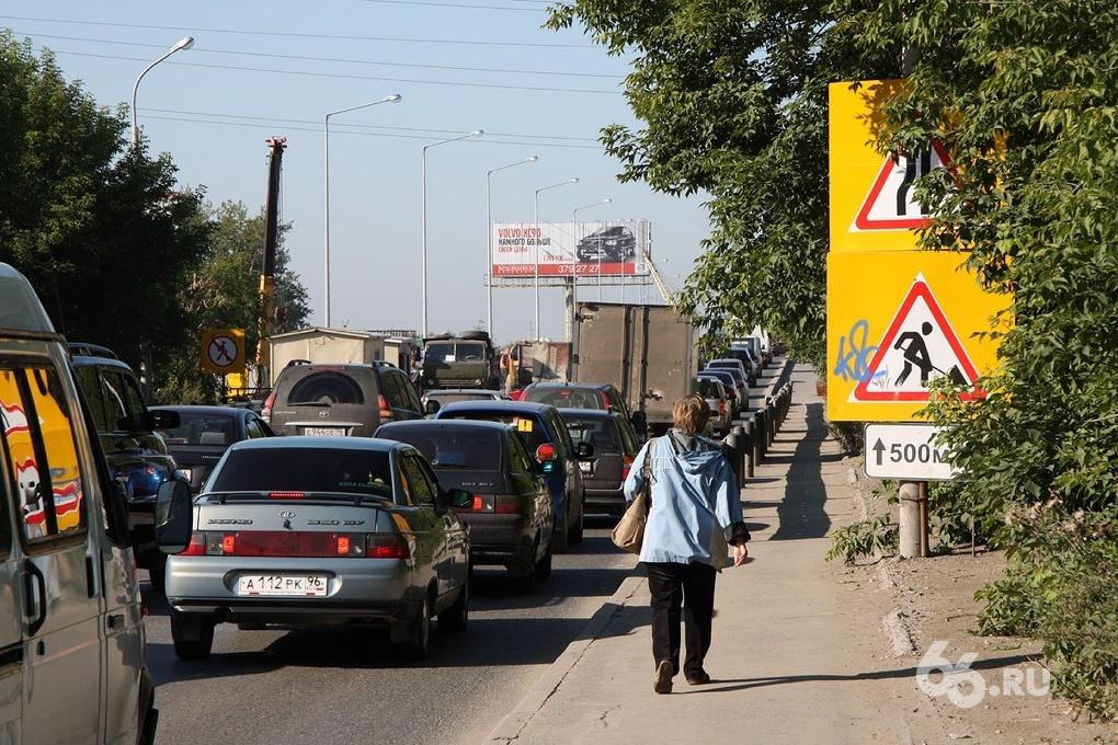 На ЖБИ собирают подписи для решения транспортной проблемы
