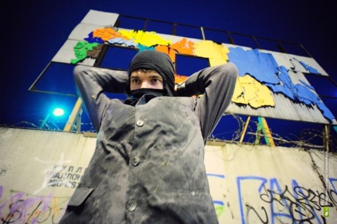 «Любимое отделение — Октябрьское РУВД»: Радя троллит силовиков, разыскивающих его
