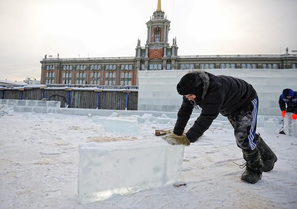 Ледовый городок в Екатеринбурге опять построит «Айс-проект 2000»