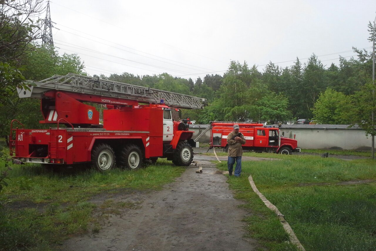 Пожар на Онуфриева мог случиться из-за поминальной свечи