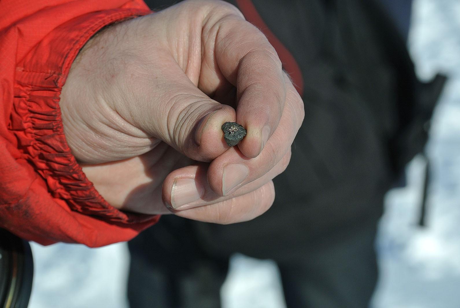 Челябинский метеорит принес на Землю более 10 тысяч тонн грязи
