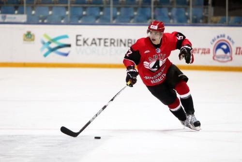 Екатеринбургские хоккеисты обыграли пермяков у них дома