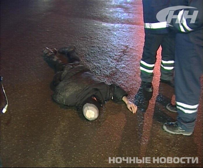 Гаишники и скорая эвакуировали пьяницу из центра города