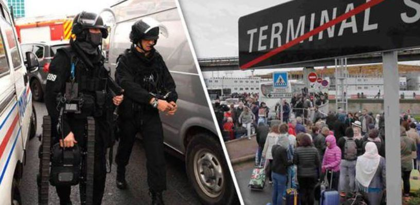 Во Франции мужчина напал на военных в аэропорту. Его застрелили на месте