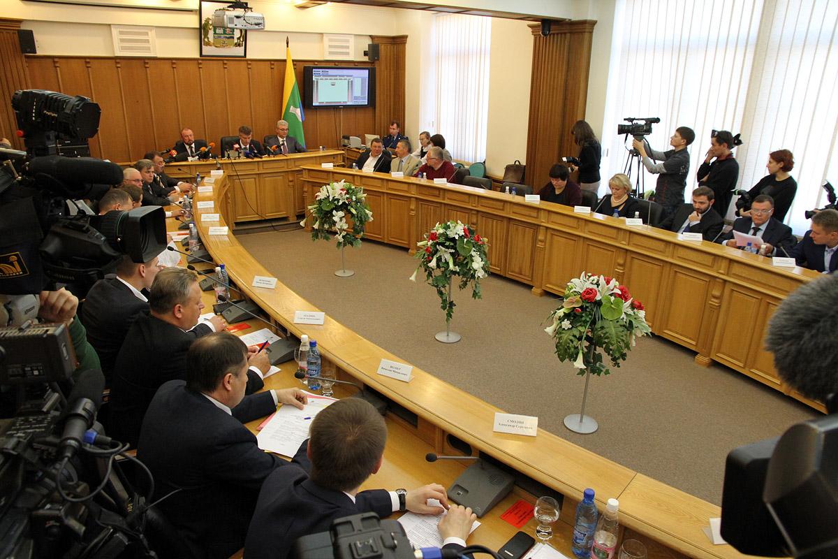 Екатеринбургские депутаты взбунтовались против муниципальной реформы