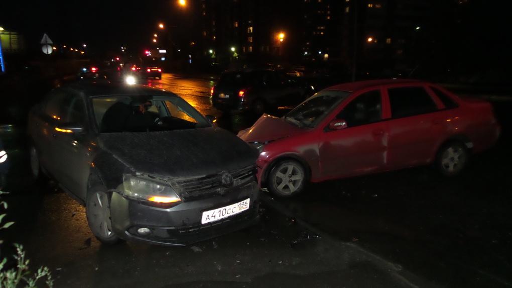 Пьяный водитель за рулем Lifan устроил двойное ДТП на Высоцкого