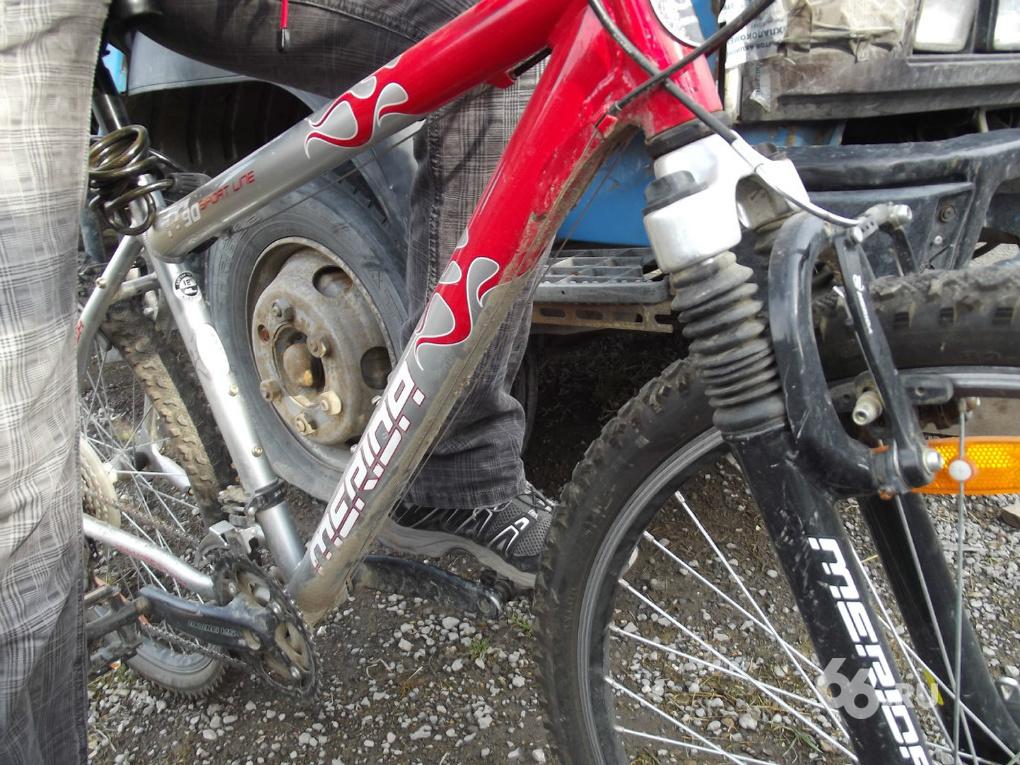 Полиция ищет очевидцев ДТП с грузовиком и велосипедом под Полевским