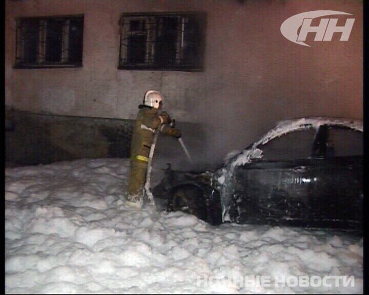 Ночью на улице Восточной полыхал BMW