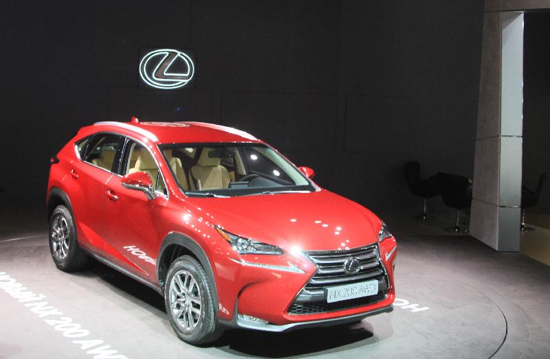 Турболайф: Lexus привез в Россию свой первый «наддутый» кроссовер NX