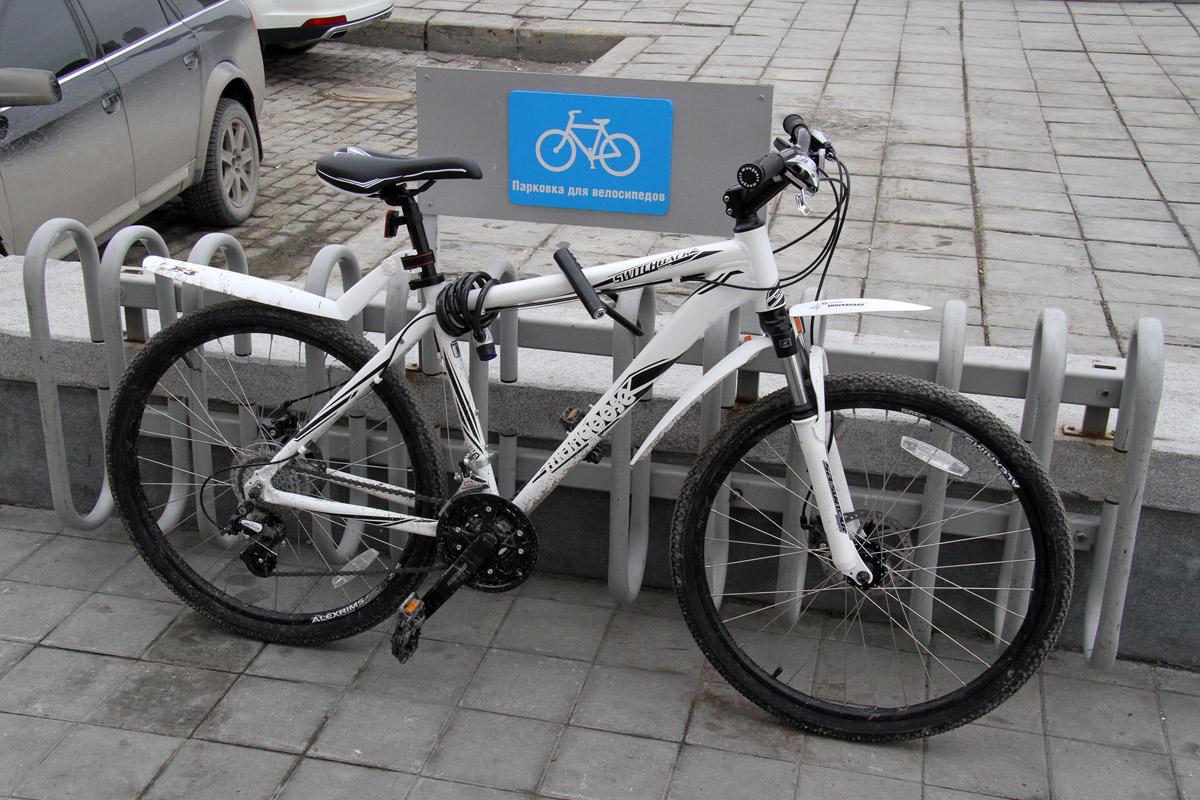 На улице Белинского зарезали велосипедиста