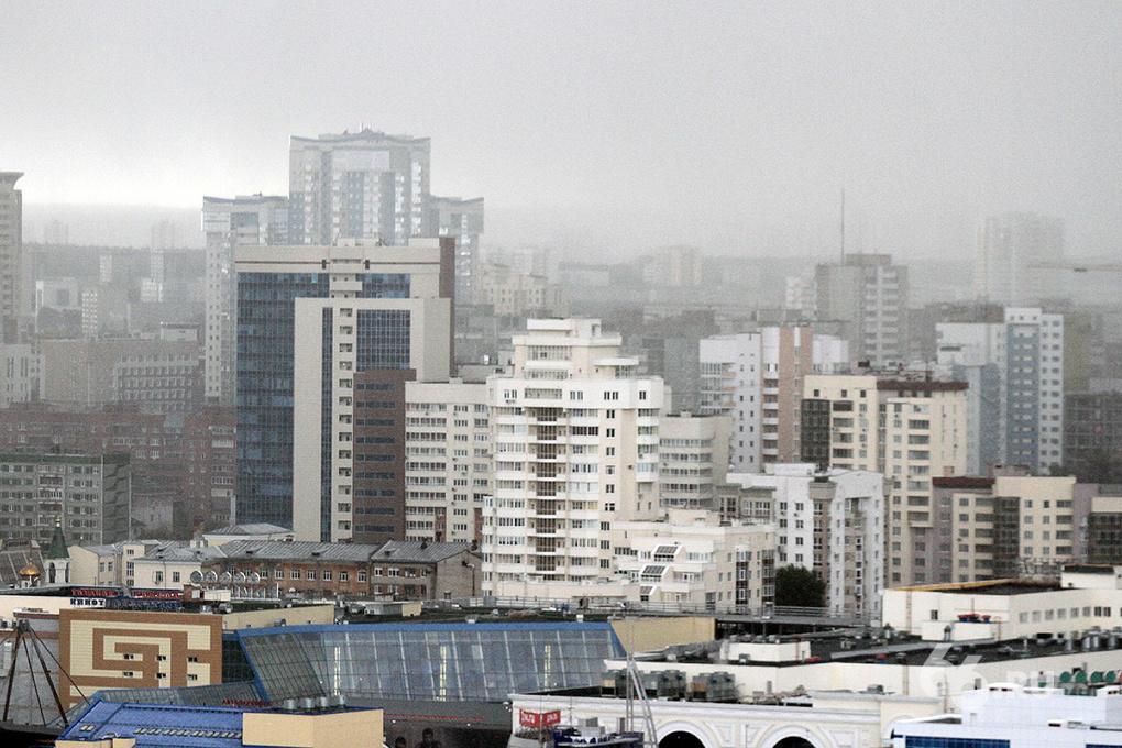 Первая метель: Екатеринбург накрыло снегом