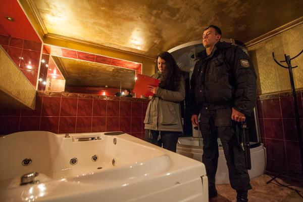 Лишили «Эйфории»: судебные приставы прикрыли проститутошную