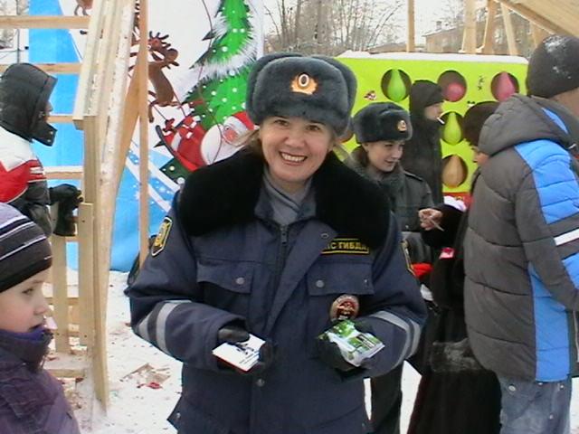 На Эльмаше инспекторы ДПС ловили детишек у елки