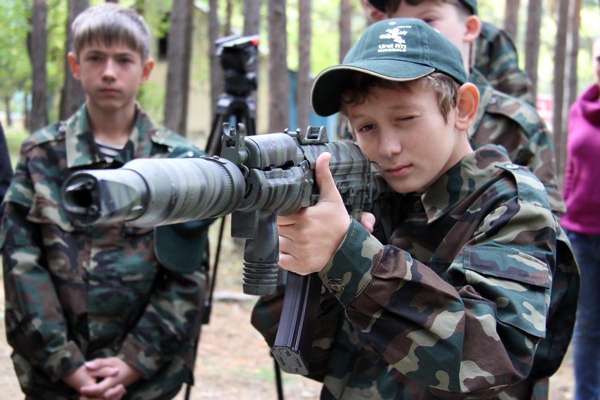 Уральская «Зарница»: детский курс молодого бойца