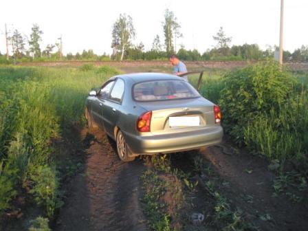 Под Белояркой Chevrolet насмерть сбил девушку