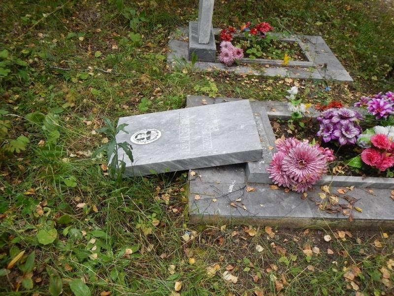 Подростки разгромили кладбище возле Каменска-Уральского ради забавы