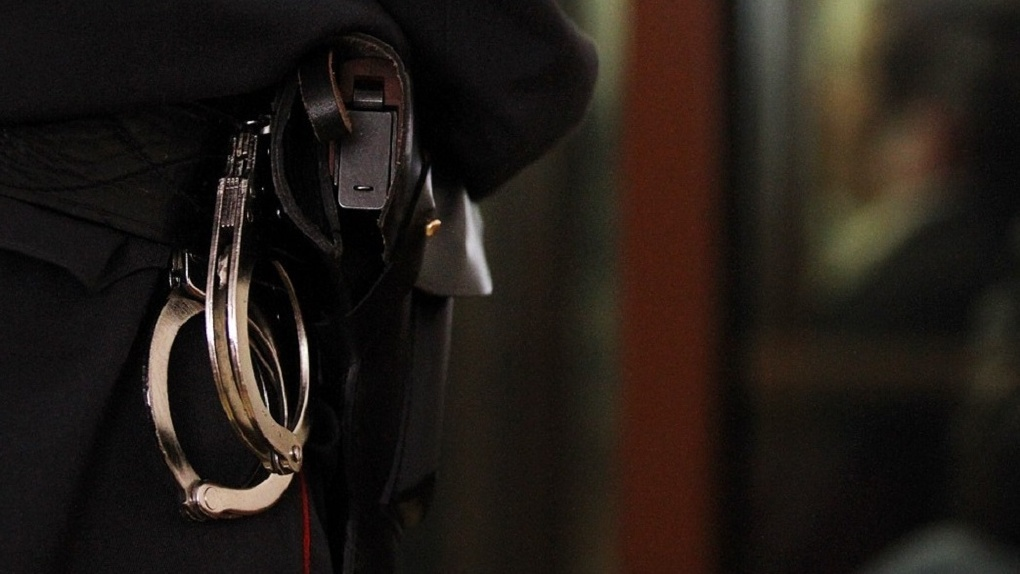 ВЕкатеринбурге задержаны глава городского отдела милиции иизвестный юрист