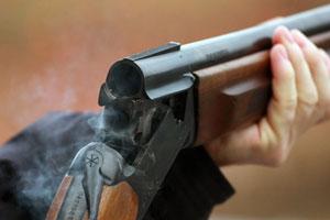 Под Каменском мужчина убил бывшую жену и застрелился сам на глазах ребенка