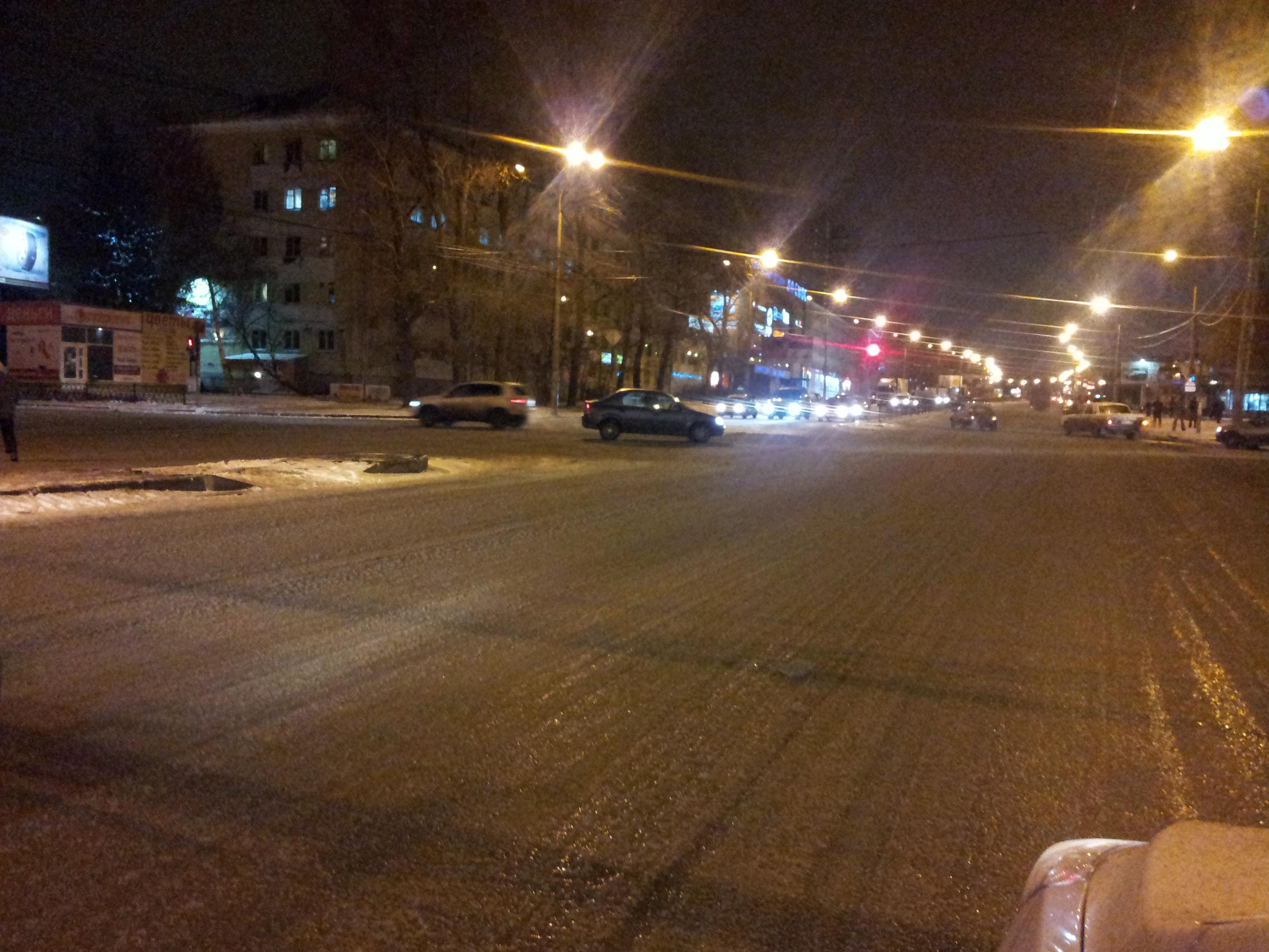 Каток со скрипом: власти города опять не готовы к зимним осадкам