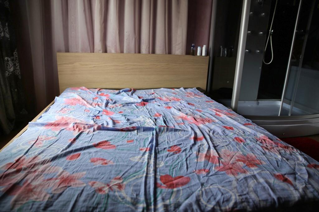 Репортаж из проститутошной. По заявлению 66.ru силовики вторглись в массажный салон
