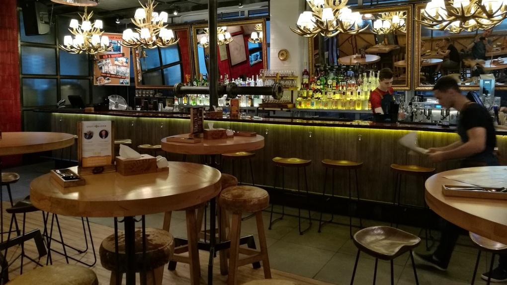 Скандинавская окрошка на айране и эклер по-советски: Яков Можаев обедает в пивоварне Grott