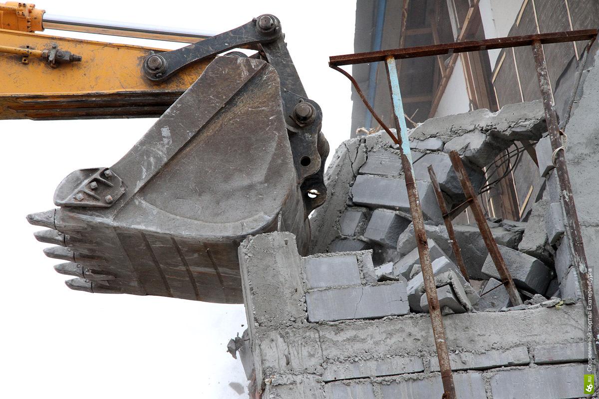 Суд постановил снести незаконно построенный автосервис на Проезжей