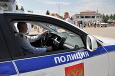 В Екатеринбурге водитель «Лады» сбил полицейского и скрылся