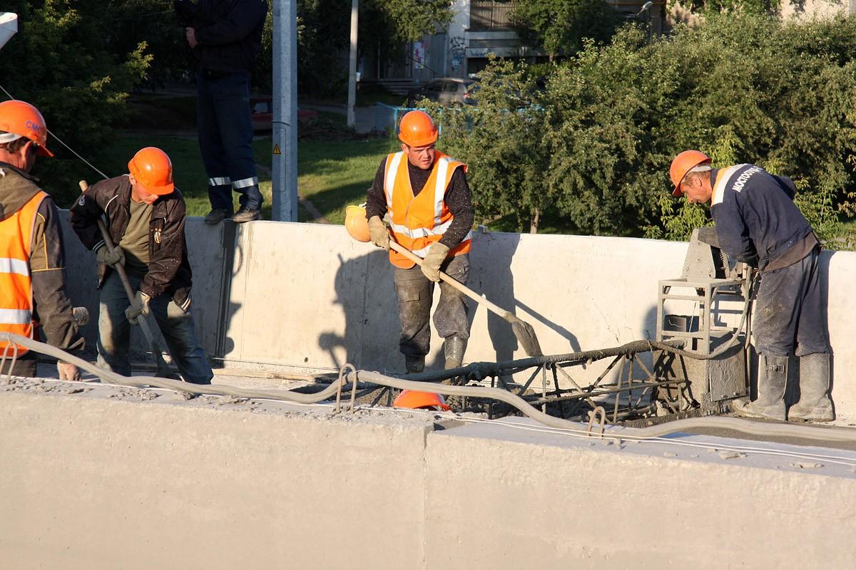 Дорожники отчитались о ремонте 29 000 квадратных метров дорог Екатеринбурга