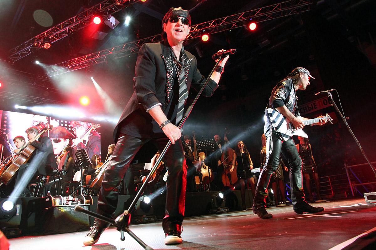 Scorpions сыграли «Подмосковные вечера» на прощальном концерте в Екатеринбурге