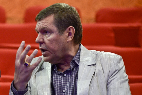 Anonymous потребовали от Новикова извинений за оторванный номер