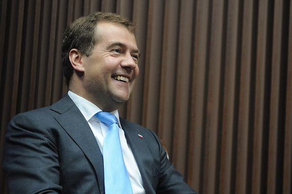 Медведев: «Доверие к ЕР связано с тем, что партия выполняет обязательства»