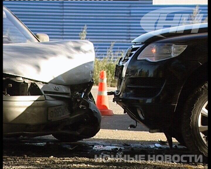 В двойном ДТП на Сибирском тракте пострадали две «Лады» и две иномарки