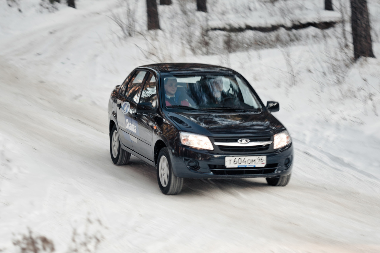 В Екатеринбурге начали закрываться автосалоны. Первые — Lada