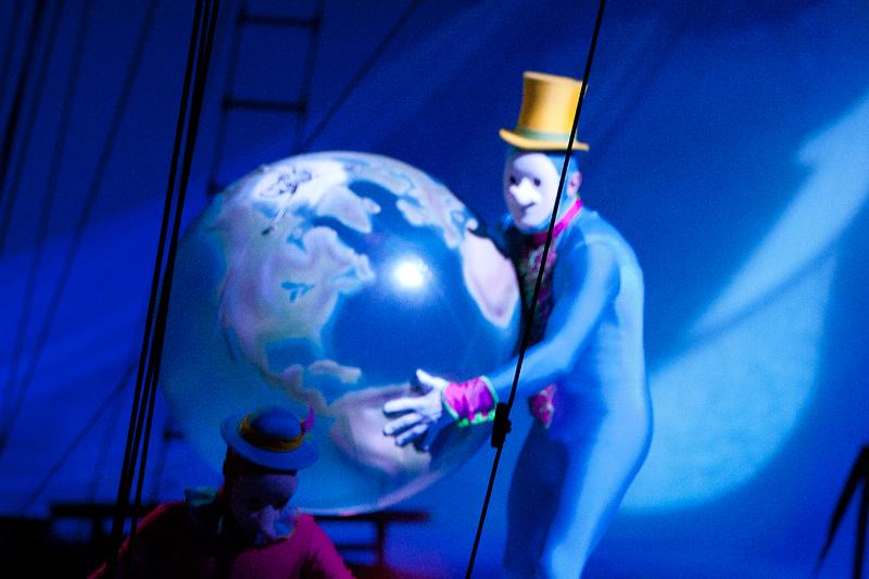 Фоторепортаж 66.ru: классическое шоу Cirque du Soleil