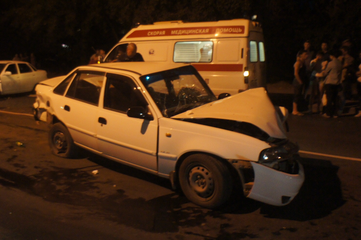 В полночь на Селькоровской столкнулись три автомобиля