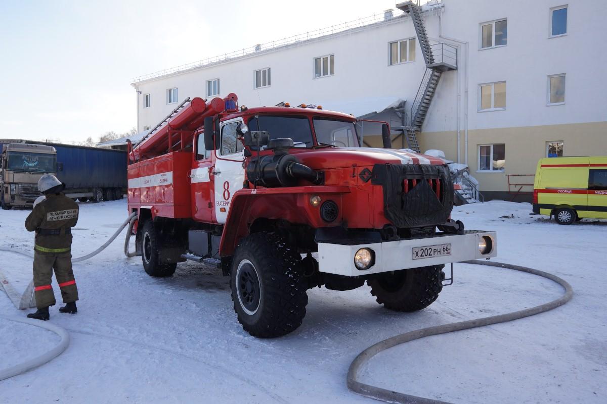 При пожаре в общежитии в Североуральске погибли два человека