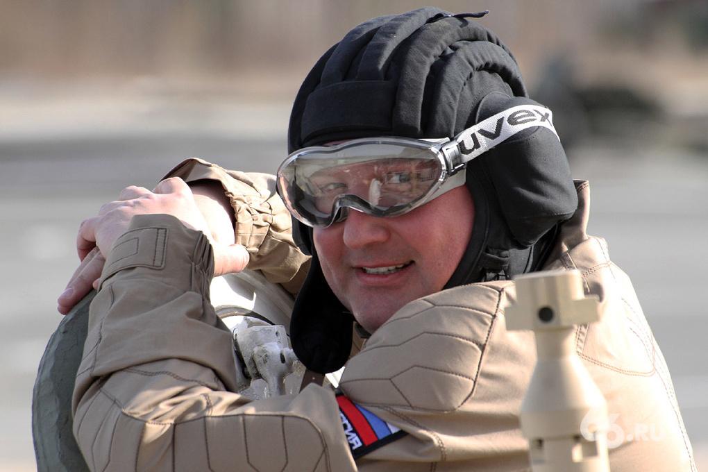 Рогозин посетил Нижний Тагил: пострелял из танка и пушки