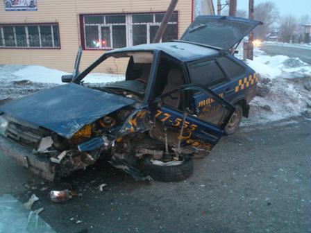 Пьяный водитель врезался в такси в Серове