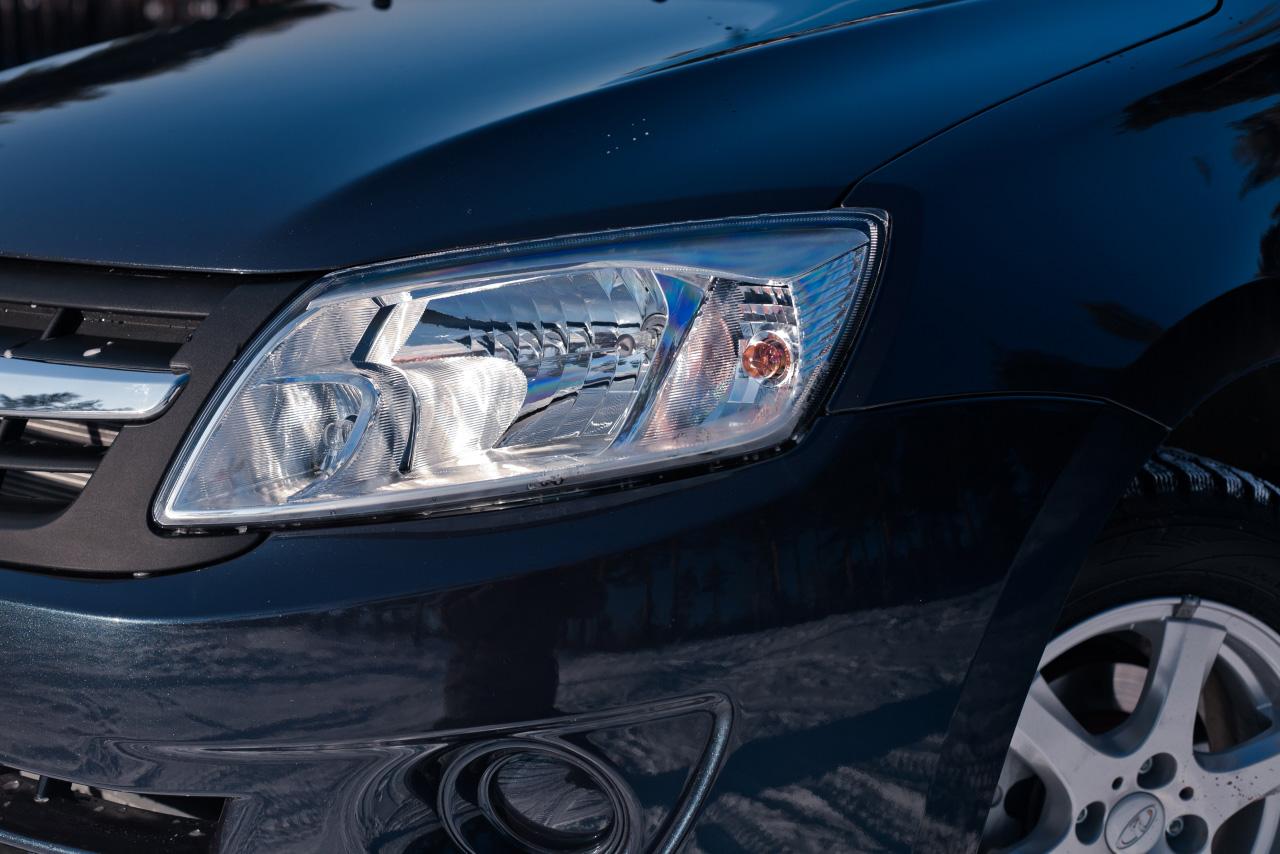 Недешево, но сердито: известны цены на Lada Granta с «роботом»