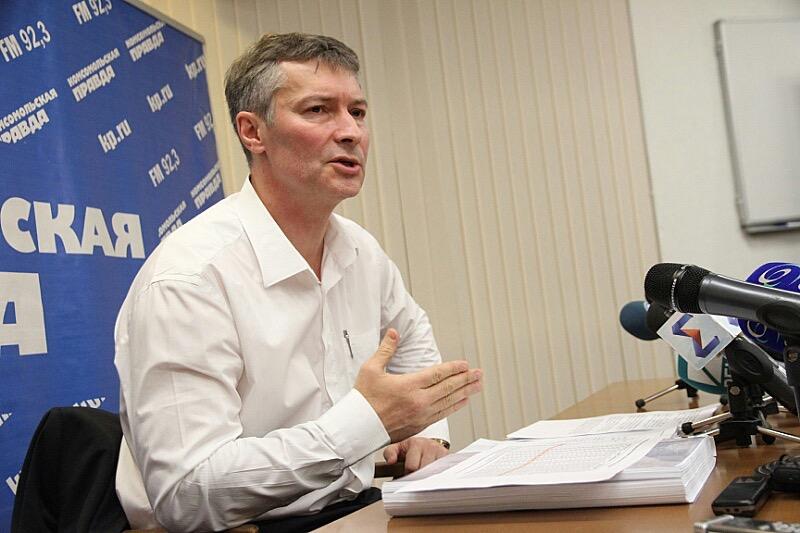 Разогрев перед слушаниями: Ройзман обвинил губернатора в жадности
