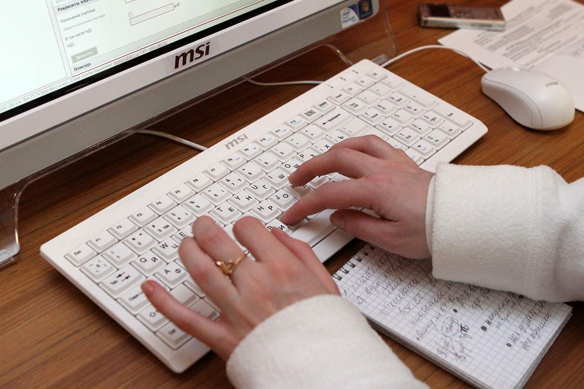 Каждый шестой пенсионер в России освоил интернет