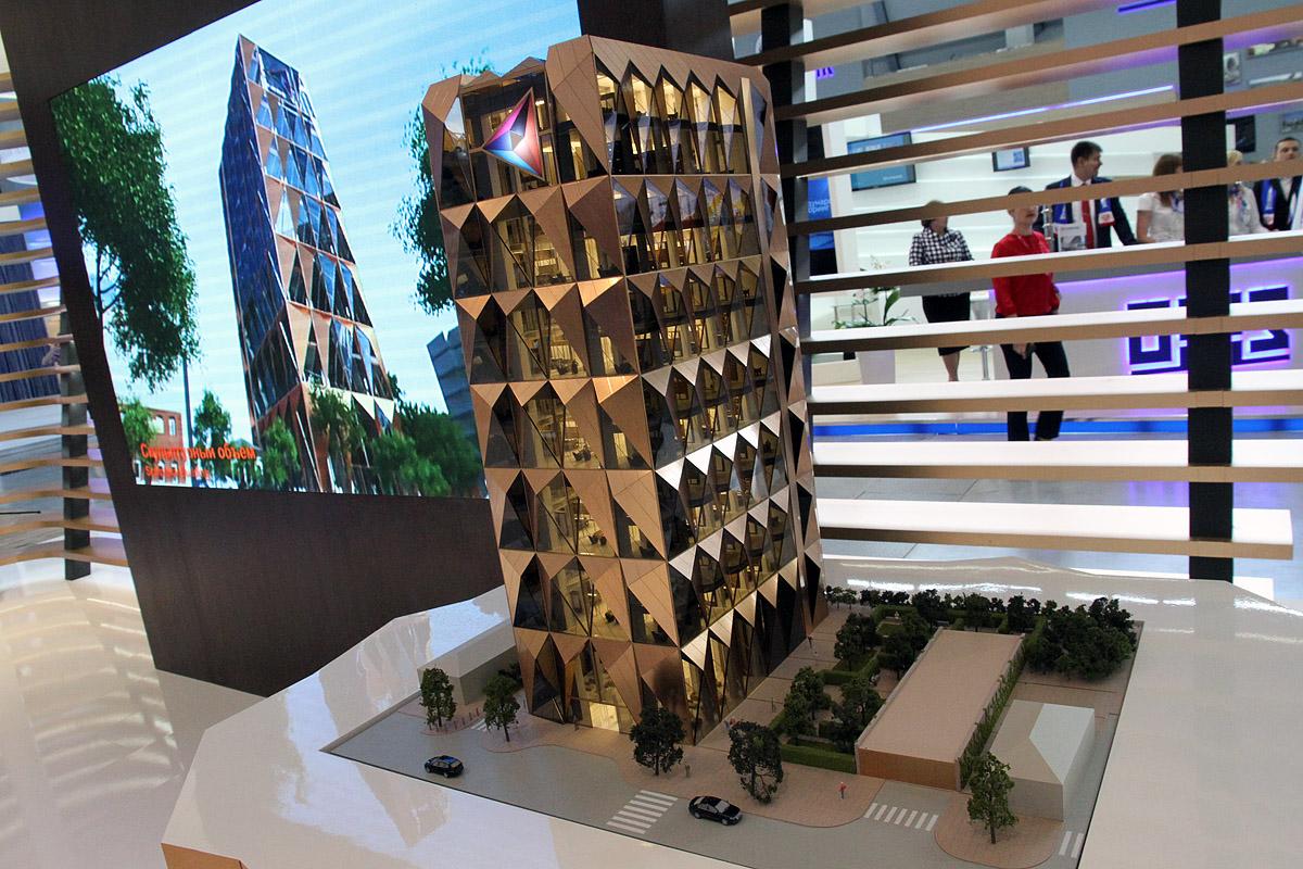 Знаменитый лондонский архитектор построит в Екатеринбурге прозрачное здание