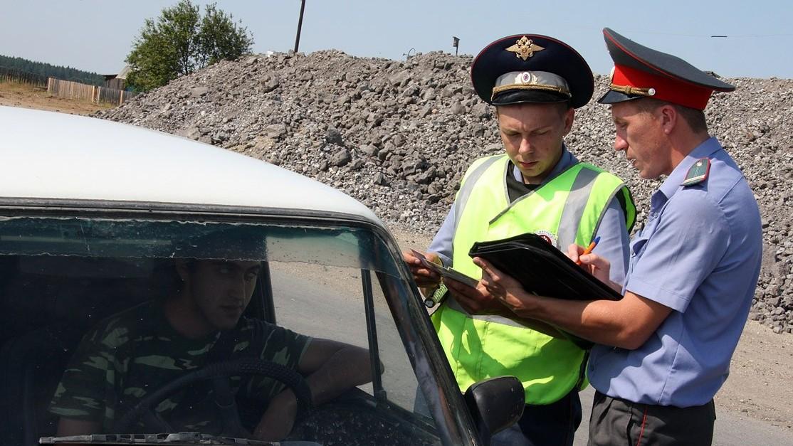 На Сортировке задержали водителя, управлявшего автомобилем вместе с двухлетним ребенком