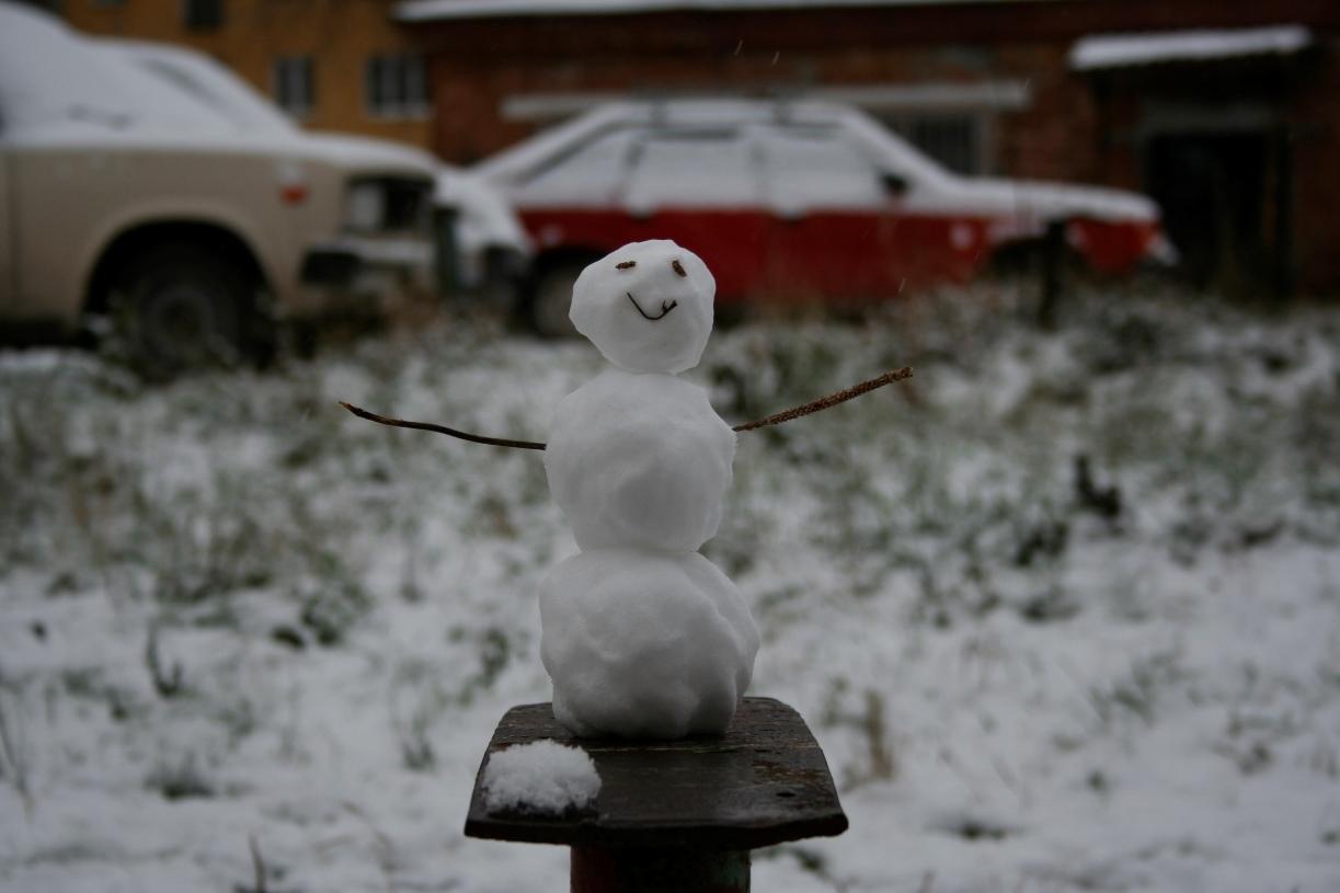 А снег идет. Неделя в Екатеринбурге будет морозной и снежной