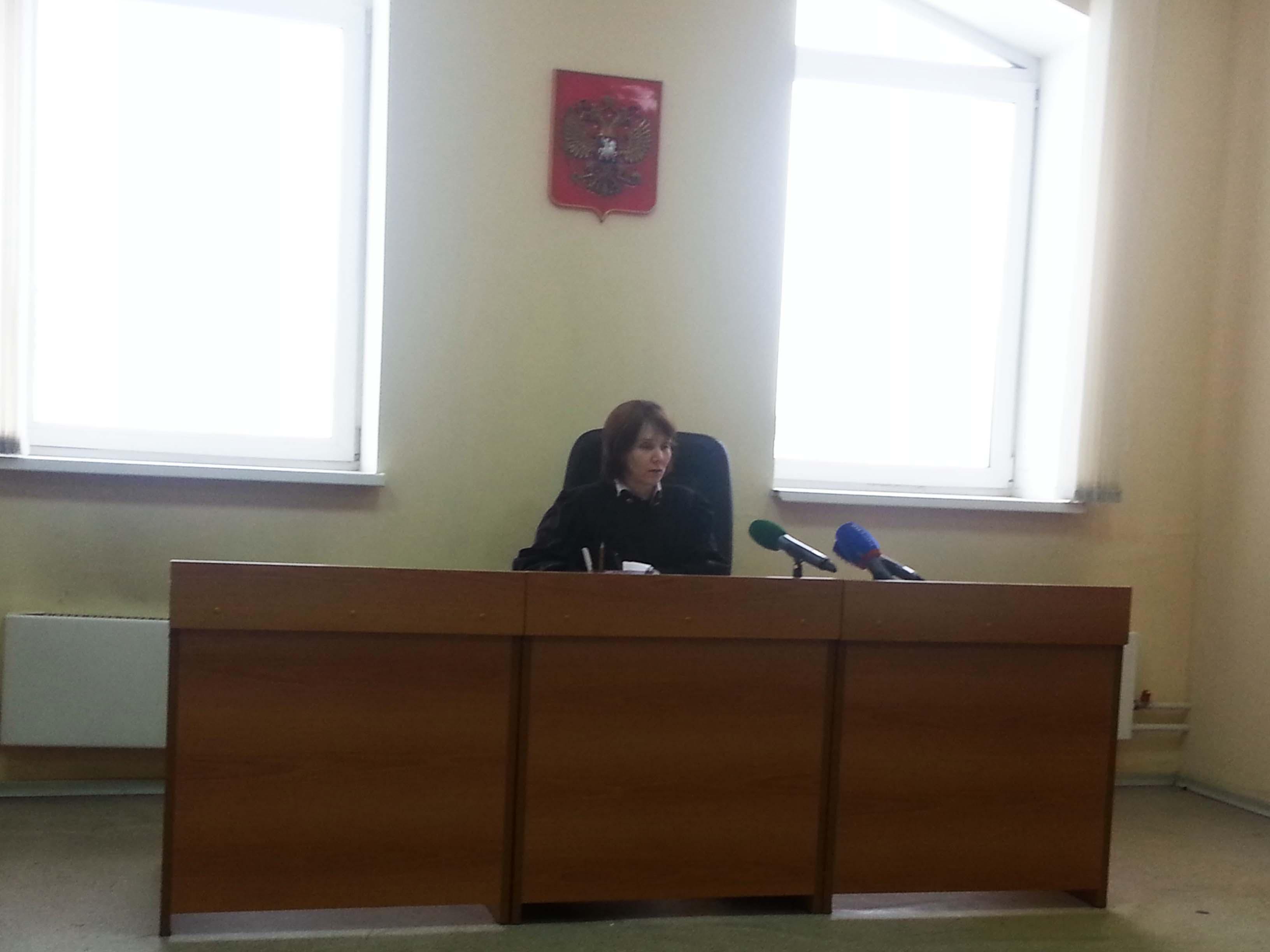 Суд попросил дочь погибшего в ДТП с Мишариным привести Черкасова