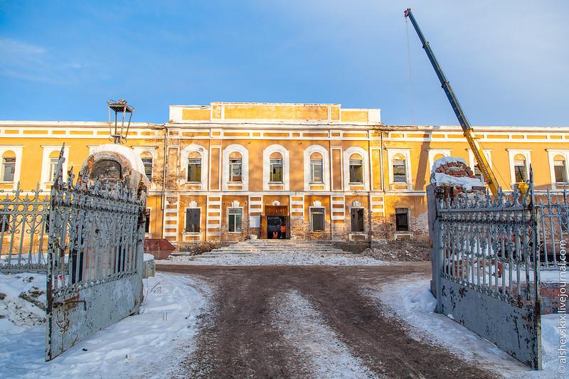 Разумные идеи работают: в Екатеринбурге начали реставрировать Оровайские казармы
