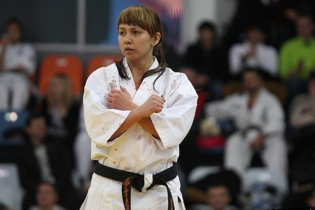 Сотрудница Свердловского ГУФСИН готовится к первенству мира по карате